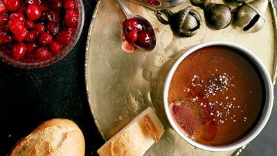 "<a href=""http://kitchen.nine.com.au/2016/05/16/13/19/duck-liver-pt-with-pickled-cranberries"" target=""_top"">Duck liver pâté with pickled cranberries</a>"