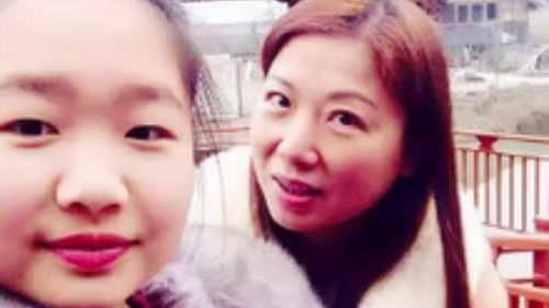 Xinyu Yuan and her mother Meili Dai (9NEWS)