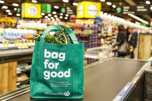 Australian supermarket giant Woolworths has announced it will give out free reusable bags to customers until July 8. Picture: AAP.