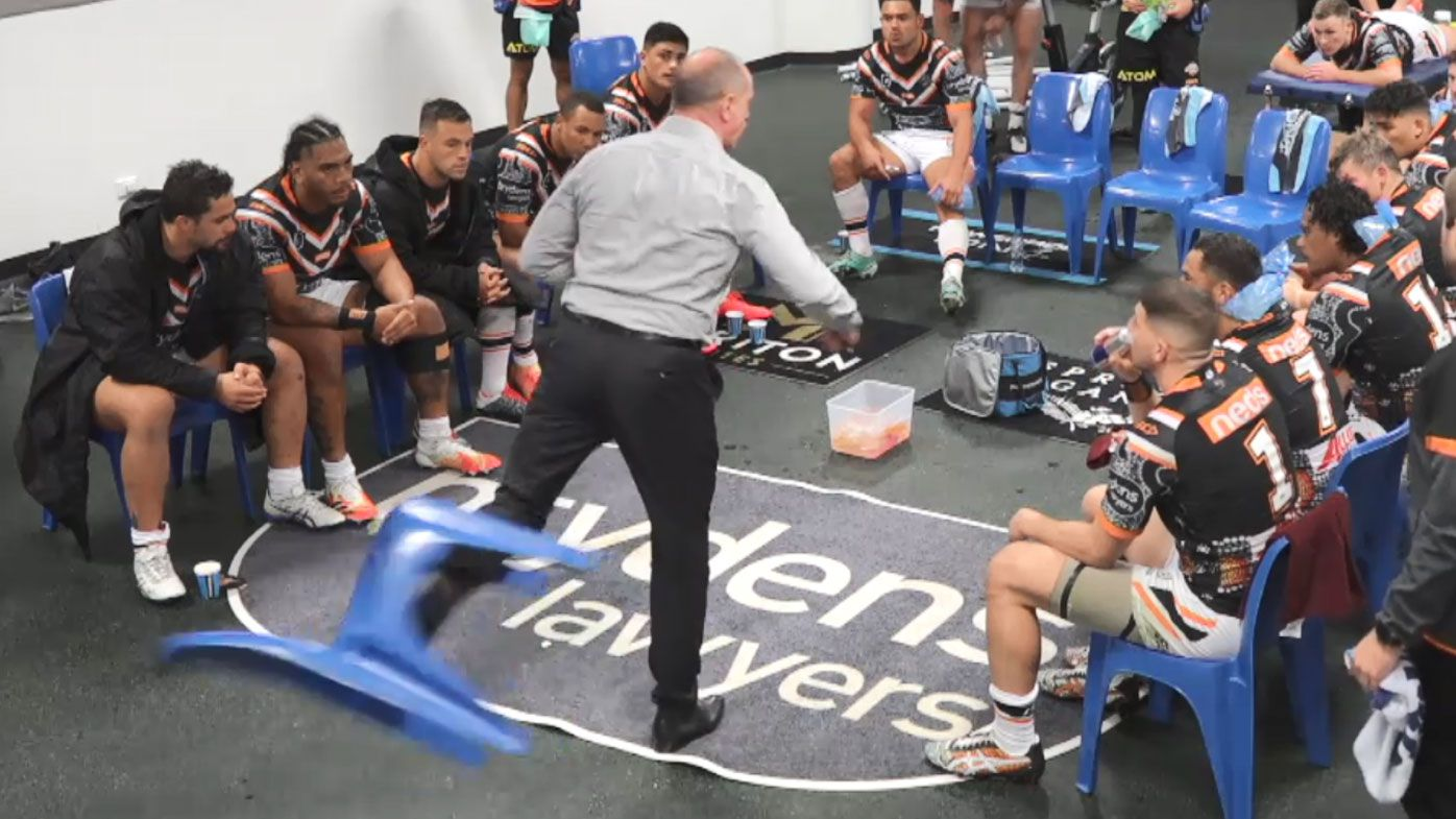 Vintage Michael Maguire sends chair flying across Tigers' dressing room in spray for the ages – Wide World of Sports