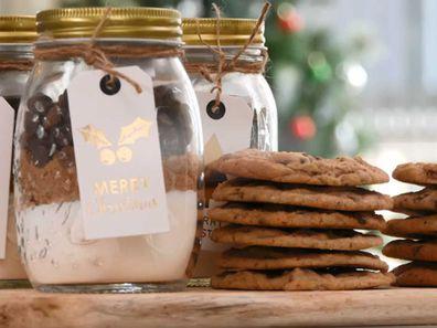 No-bake cookie gift jar for Christmas