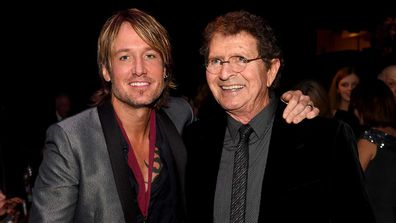 Keith Urban and BMI Icon Award Winner Mac Davis pose during the 63rd annual BMI Country awards on November 3, 2015.