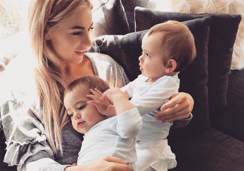 Ms Carter with her twin girls Isla and Ava. (Photo: Stacee Carter)