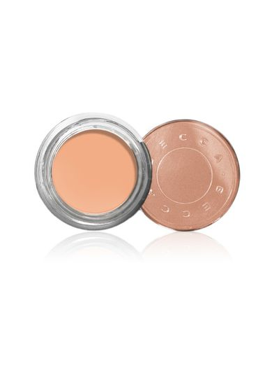 Counteract undereye circles with this light reflecting corrector that blurs imperfections.