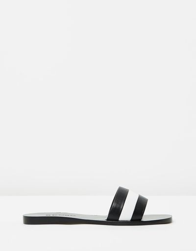 "<a href=""https://www.theiconic.com.au/bec-506361.html"" target=""_blank"">Senso Bec Slides, $229</a><br>"