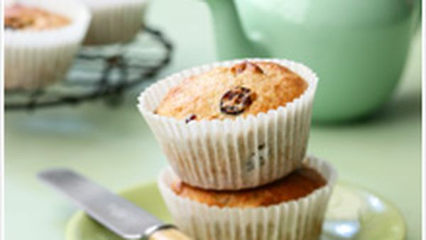 Oat and cranberry muffins