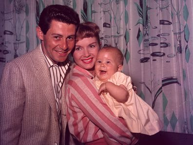 Eddie Fisher and Debbie Reynolds with their daughter Carrie Fisher.  (Photo by Hulton Archive/Getty Images)