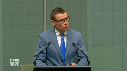 Calls for federal MP Andrew Laming to move to the crossbench
