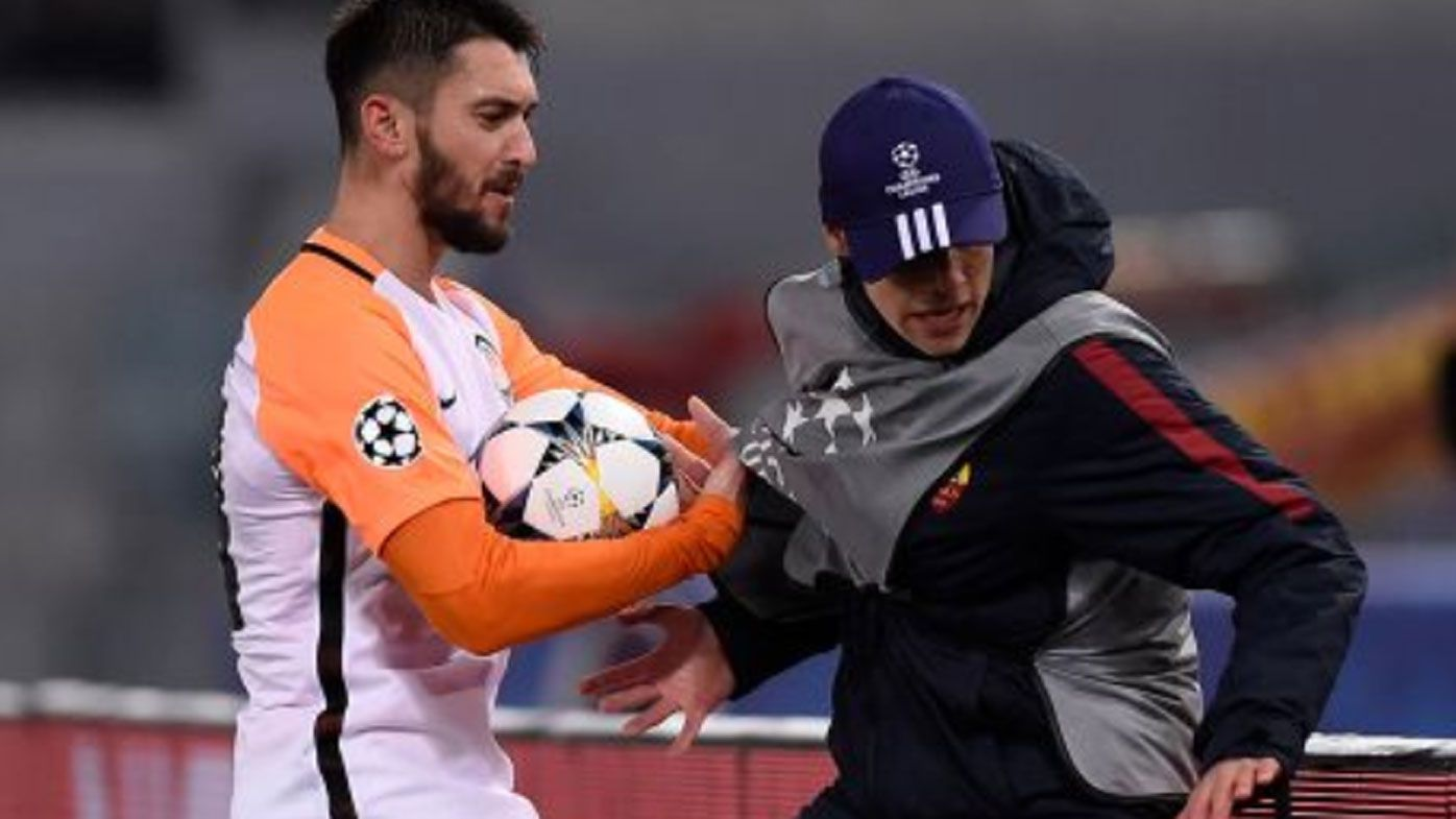 Shakhtar Donetsk's Facundo Ferreyra pushes ball boy in UCL loss to Roma