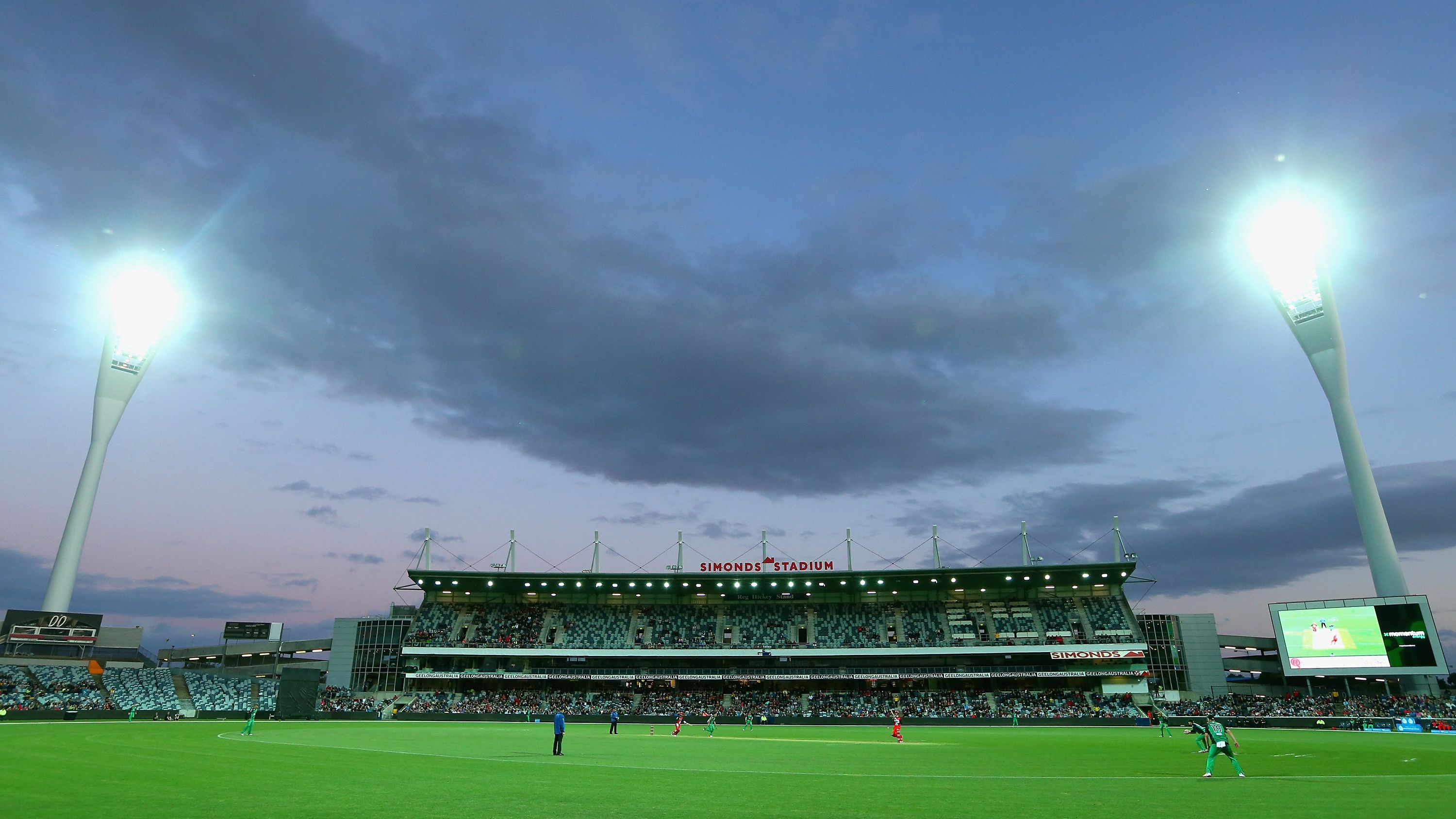 Consider Geelong's Kardinia Park for New Year Test, says leg-spin legend Shane Warne