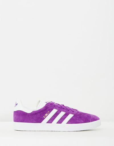 "Adidas Gazelle, $120 at <a href=""http://www.theiconic.com.au/gazelle-377419.html"" target=""_blank"">The Iconic</a><br>"