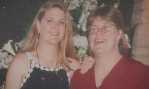Jane Rimmer (left) with her sister Lee.