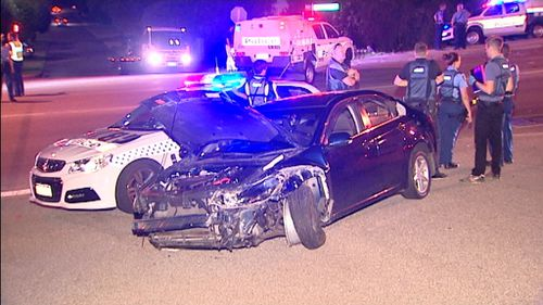 Police pursuit in Perth's northern suburbs ends when car slams into five other vehicles