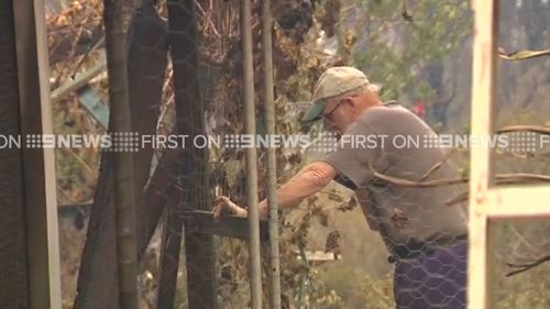 Some residents stayed to defend their homes. (9NEWS)