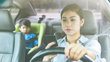 Four out of five teenagers say they've seen their parents breaking the law while driving, according to a new survey.