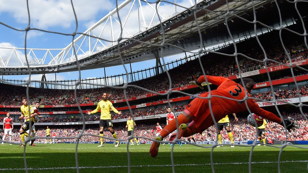 Arsenal climb to second in EPL