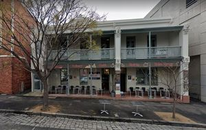 Melbourne café closed after 36 people diagnosed with salmonella poisoning