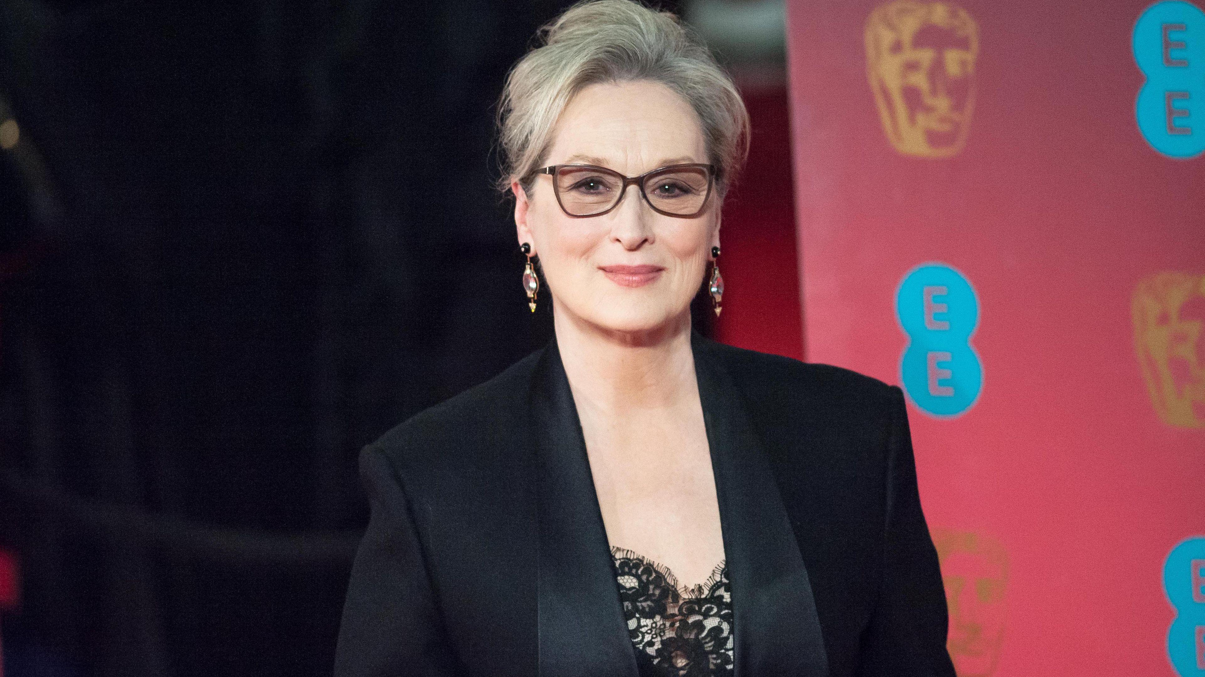 Meryl Streep defends herself against Karl Lagerfeld's claims