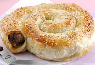 Beef twister with sheet puff pastry