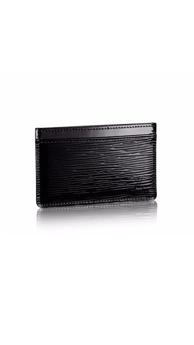 <p>The handbag essential for the woman who leans in.</p>