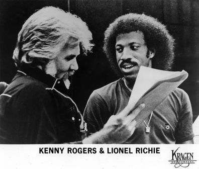 "Kenny Rogers and Lionel Richie working on the song ""Lady"" in 1980. (Photo by Michael Ochs Archives/Getty Images)"