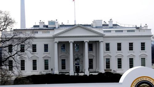 Woman with handgun arrested at White House