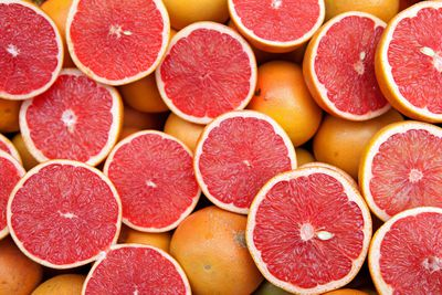 Grapefruit: 7g sugar per 100g
