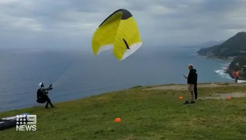 Bald Hill lookout paraglider