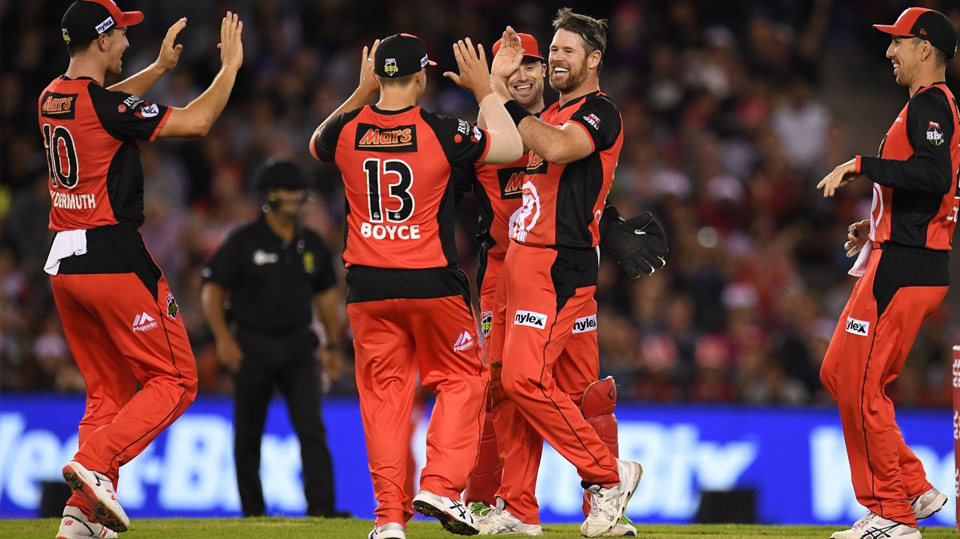 Melbourne Renegades break eight-game hoodoo to beat Perth Scorchers for first time in Big Bash history