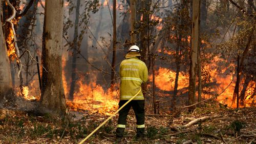 Helicopter crashes during Australia bushfire operation