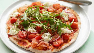 "<a href=""http://kitchen.nine.com.au/2016/05/17/10/06/ham-tomato-and-rocket-pizza"" target=""_top"">Ham, tomato and rocket pizza</a> recipe"