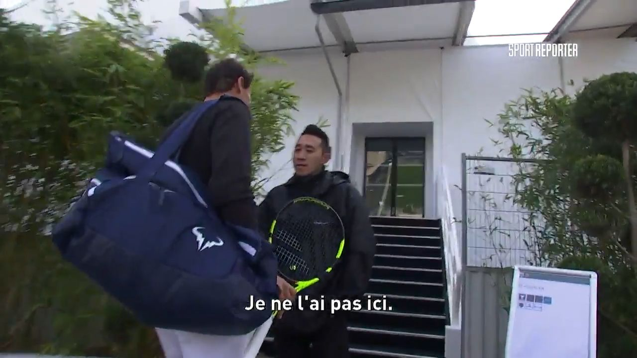 Security guard doesn't recognise Nadal