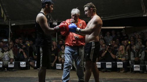 Fred Brophy's Boxing Troupe opened its first night in the far-west Queensland town. (Salty Dingo)