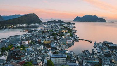 Cruise review: Royal Caribbean turns up the onboard glam for Norway
