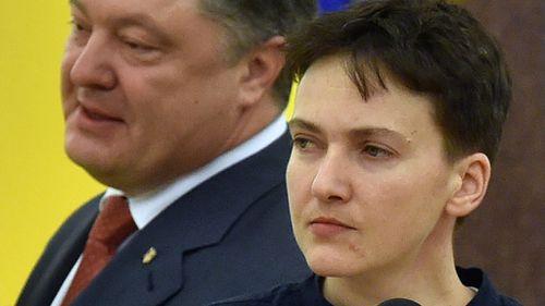 Russia frees Ukrainian pilot Savchenko in prisoner exchange