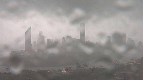Queensland weather: Severe thunderstorm warning Brisbane power