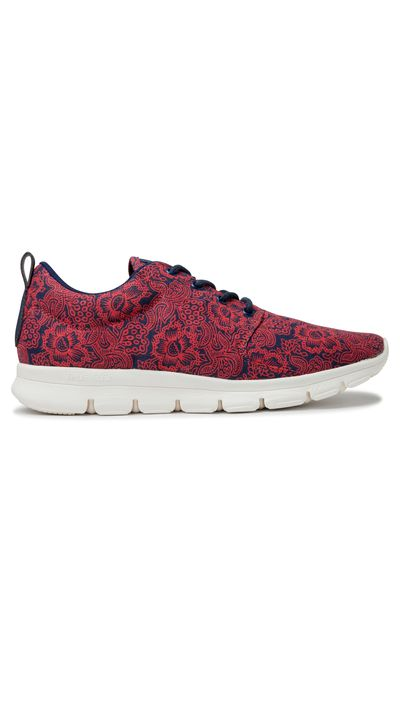 "<p><a href=""http://www.merchant1948.com/productdisplay.aspx?CategoryId=389&amp;ProductId=6790&amp;Colour=Red%20Paisley%23colour=Red%20Paisley#colour=Red Paisley"" target=""_blank"">Sneakers, $89.90, Deuce at merchant1948.com</a></p>"
