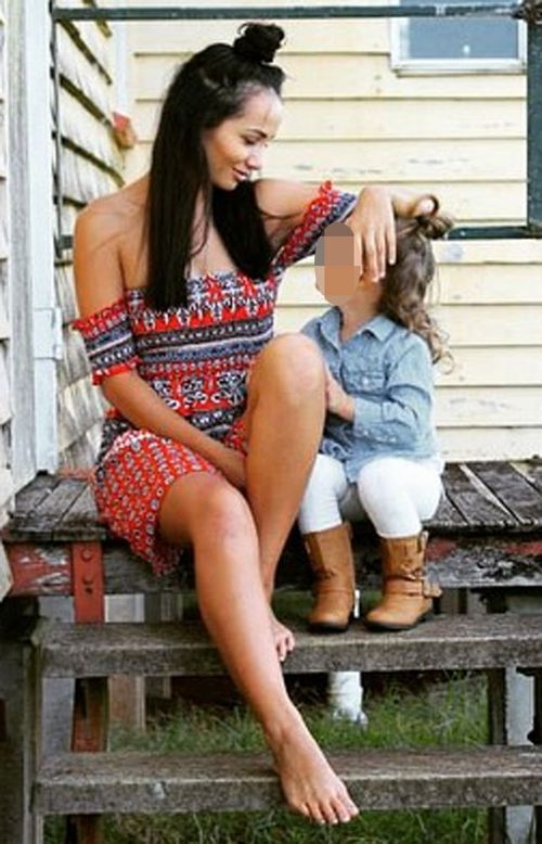 Tara Brown with her daughter. (Instagram)