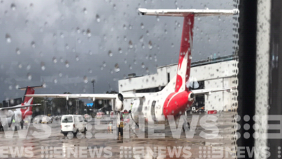 Qantas plane struck by lightning and returned to Sydney Airport