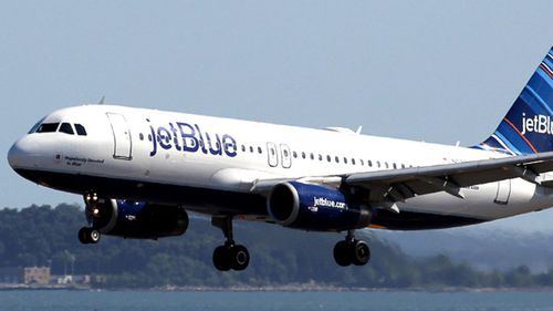 US pilot who yelled about Jesus, terrorists on flight sues airline
