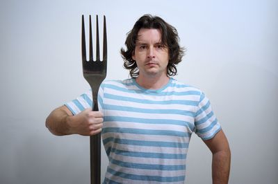 <strong>Eat with ginormous cutlery</strong>