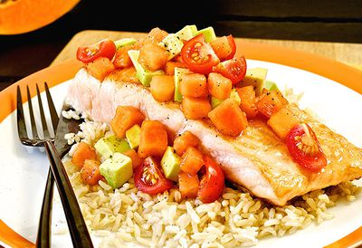 Salmon with papaya salsa