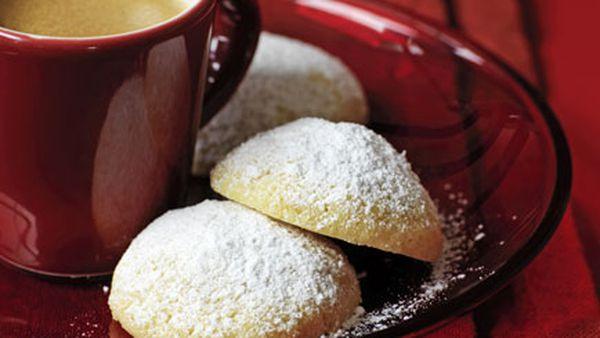 Powdered sugar biscuits
