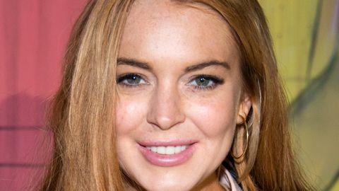 Lindsay Lohan jokes about paramedic incident