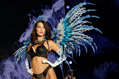 b78ffdb5d18 The hottest moments from the 2017 Victoria's Secret show