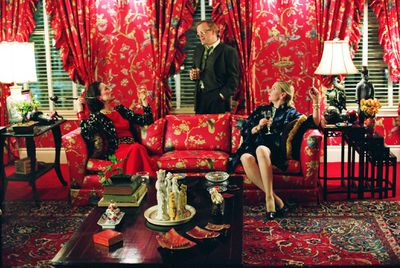 Juliet Stevenson (left) brought Vreeland' signature style to the screen in <em>Infamous</em> (based on the life of Truman Capote) in 2006.