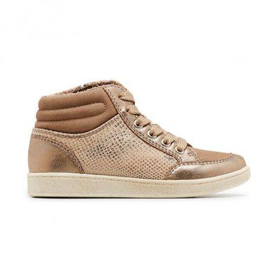 "<a href=""https://www.clarks.com.au/queen.html"" target=""_blank"" draggable=""false"">Clarks Junior Queen Sneaker, $69.95.</a>"