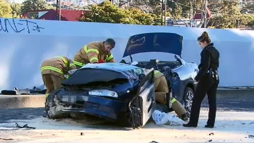Driver rescued from car wreck following collision with Melbourne tram