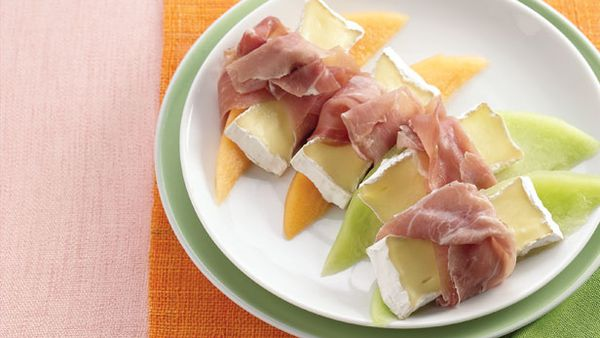 Melon with brie and prosciutto