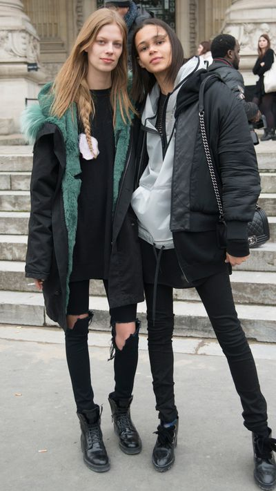 <p>The grunge gang: Lexi Boling (L) and Binx Walton (R)</p>